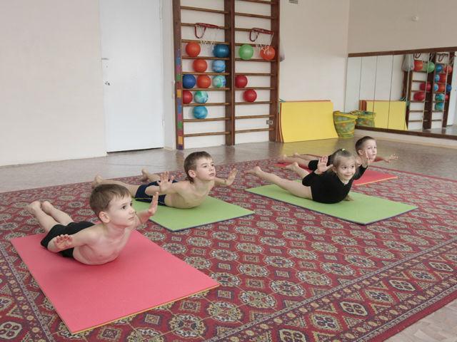 Комплекс упражнений для поддержания правильной осанки