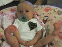 Младенец с кривыми ногами