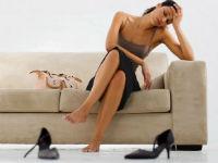 у девушки болят ноги