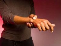 Болят кисти рук и пальцы