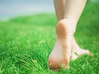 Ходьба босиком по траве