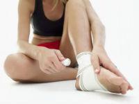 Что делать при растяжении связок рук и ног: первая помощь и лечение