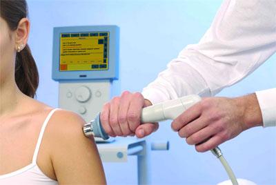 Помогает ли физиотерапия при остеохондрозе и на коленке