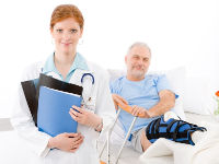 Врач и пациент в больнице
