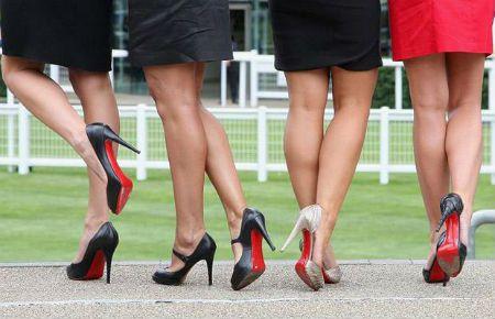Ходьба на высоких каблуках