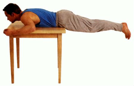 Упражнение на столе