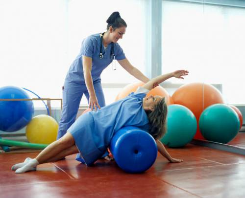 ЛФК под руководством физиотерапевта
