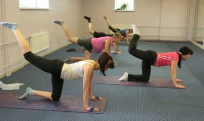 Групповое занятие лечебной гимнастикой