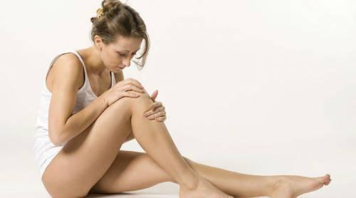 Боль в ногах у женщины