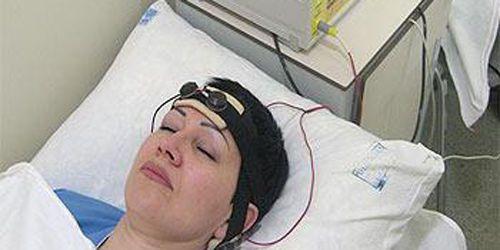 Физиопроцедура, электроды вокруг головы
