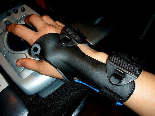 Болит сустав на руке при изгибе thumbnail