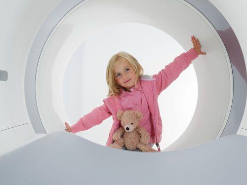 Ребенок и томограф