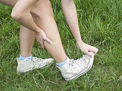 Свело ногу, тянет носок на себя