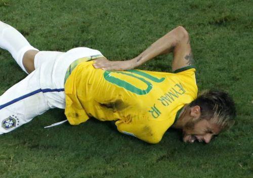 Травма спины у футболиста