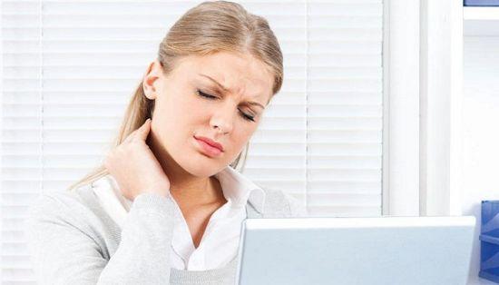 Боль в шее при работе за компьютером