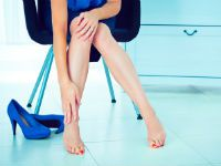 Боль в ноге у женщины